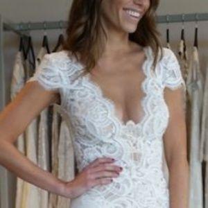 Dresses & Skirts - Elegant cap sleeve long wedding dress
